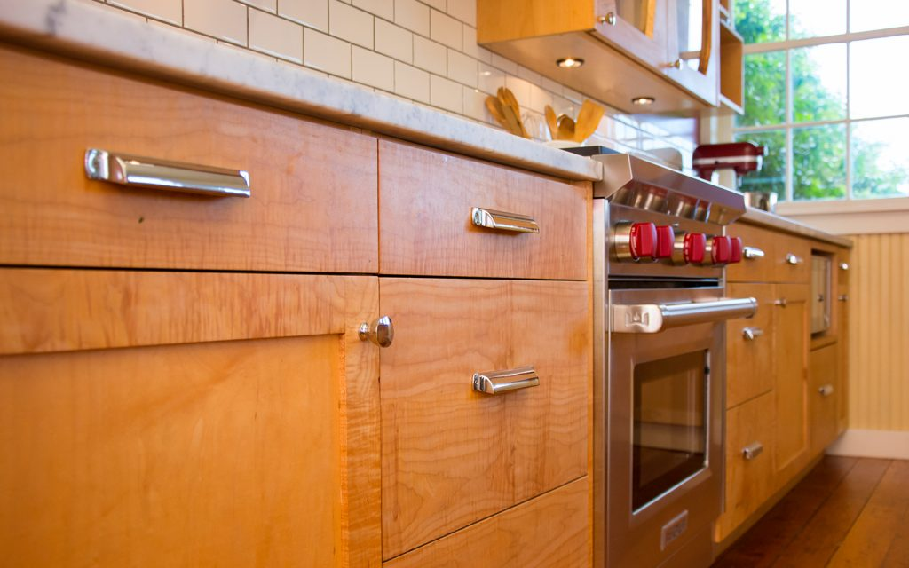 Craftsman Style Kitchen Cabinet Makers in Seattle